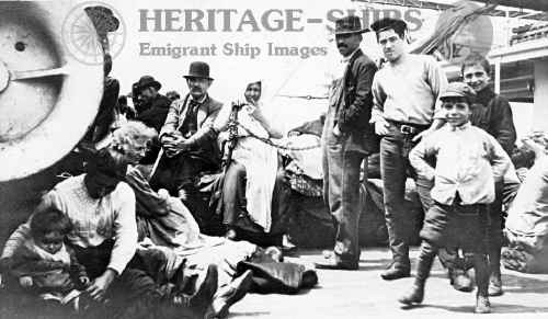 Cretic - steerage passengers 1911 - Click Image to Close