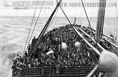 Steerage passengers on deck of a HAPAG steamer