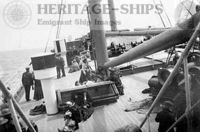 Saxonia (1), steerage passengers on deck 1905